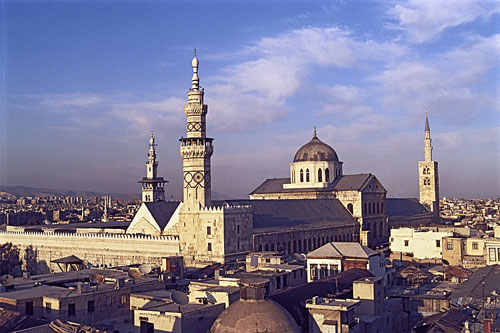 http://putrahermanto.files.wordpress.com/2009/10/umayyad-mosque-500.jpg?w=500&h=333